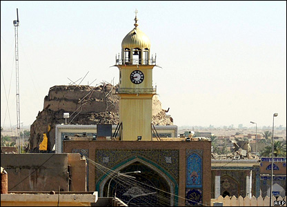The damaged al-Askari shrine in Samarra (13 June 2007)
