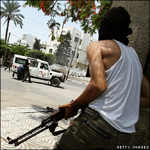 Palestinian Fatah militants fight Hamas in Gaza City