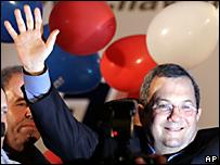 Ehud Barak celebra victoria