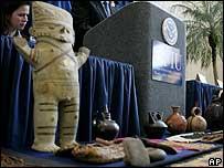 Pre-Columbian Peruvian artefacts