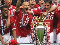 Man Utd celebrate winning last year's Premiership title