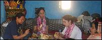 Familia Saharaui en un campamento de refugiados en el Sahara
