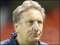 Neil Warnock is keen to return to management