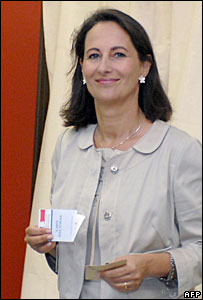 Segolene Royal casts her vote