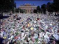 Kensington Palace, August 1997