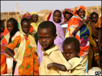Sudanese refugees at the Abu Shouk camp, north of the Darfur town of Al-Fasher