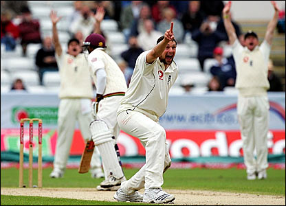 Steve Harmison's appeal for a lbw decision against Shivnarine Chanderpaul is turned down
