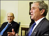 Israeli PM Ehud Olmert (l) and US President George W Bush