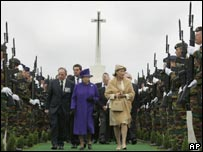 Queens Elizabeth and Paola at Tyne Cot cemetery