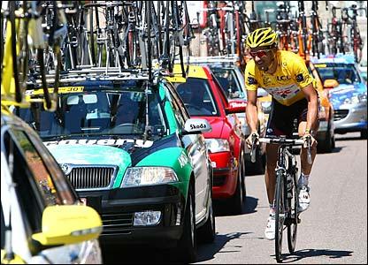 Yellow jersey holder Fabian Cancellara