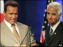 Arnold Schwarzenegger y Charlie Crist