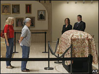 Mourners pay respects to the former first lady's casket at the Lyndon B. Johnson library and museum