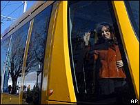 Cristina Kirchner, en un tranvía en Buenos Aires
