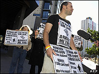 Protesters supporting Dr Haneef outside the Brisbane court on 16 July 2007