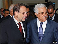 Mahmoud Abbas (r) with Javier Solana