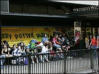 Queuing Harry Potter fans