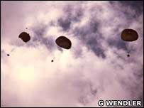 Parachutes. Image: G Wendler