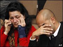 Passenger relatives await news in Porto Alegre on 18 July 2007