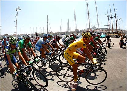 Riders leave Marseille at the start of stage 11