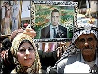 Marcha de palestinos en Ramalá exigiendo la liberación de prisioneros.