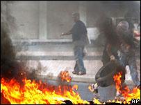 أحداث شغب في منطقة سنابس في 30 من شهر حزيران/يونيو الماضي