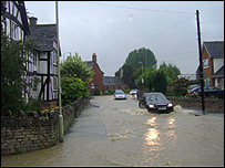 Flooding in Bishops Cleeve pic from bbc.co.uk/gloucestershire