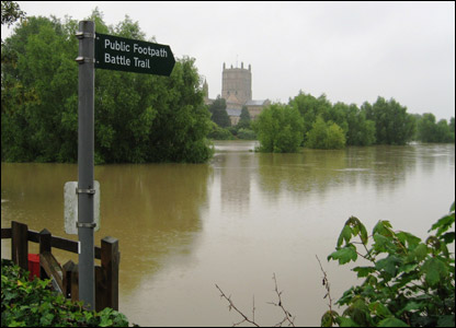Bbc news in pictures in pictures gloucestershire floods for In the bathroom tewkesbury