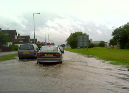 Flooding on Dorcan Way, Swindon UGC