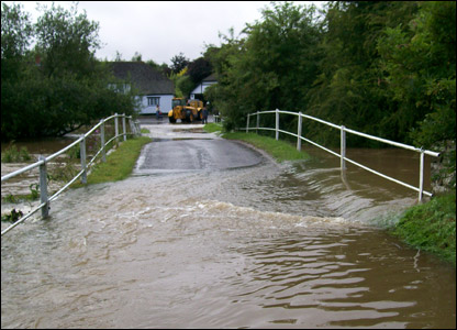 Flooded bridge at Berwick Bassett UGC