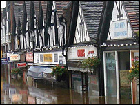 Droitwich High Street under water - pic by Rags Mahone