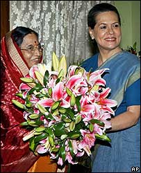 Pratibha Patil (left) with Sonia Gandhi