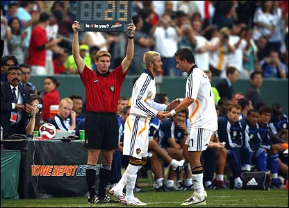 David Beckham comes on for his LA Galaxy debut