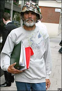 Brian Haw outside the City of Westminster Magistrates' Court