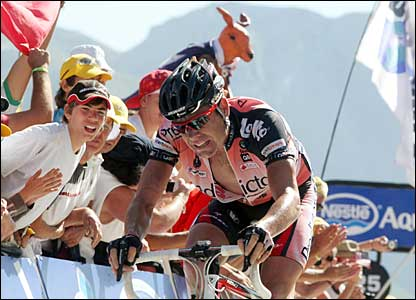 Australian Cadel Evans finishes fourth on stage 16