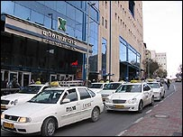 Jerusalem taxis (Picture courtesy of IgKh/Flickr)