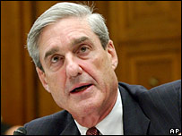 FBI director Robert Mueller testifying in Congress 26-7-07