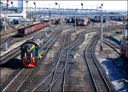 Railway lines (pic: Artyom Liss, BBCRussian.com)