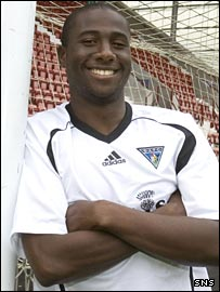 Sol Bamba with Dunfermline's new strip