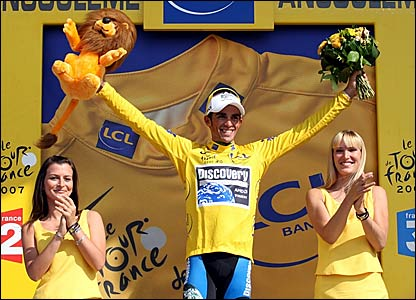Alberto Contador retains the yellow jersey
