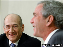 US President George W Bush (R) meets with Prime Minister Ehud Olmert (L) (file picture)