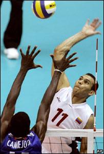 Cuba contra Venezuela en voleibol