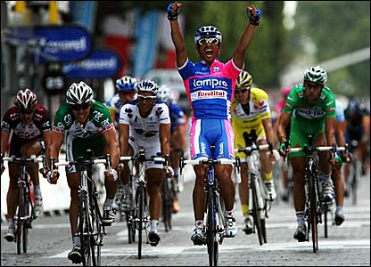 Italy's Daniele Bennati wins the final stage of the Tour de France in Paris