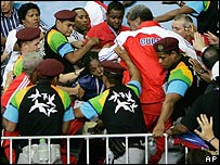 Pelea entre miembros del equipo cubano de judo