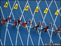 Partida de los 100 mts. femeninos