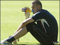 Craig Gordon sits it out at training