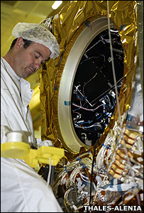 Scientist working on Jason-2 (Image: ThalesAlenia)