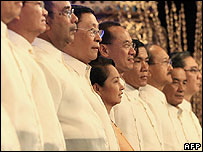 Philippine President Gloria Arroyo with Asean foreign ministers - 30/07/07