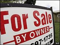 Cartel frente a una casa en venta en Denver