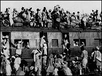Muslims heading from India to Pakistan