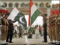Guards on the border between India and Pakistan